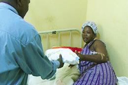 Donativos distribuídos em maternidade
